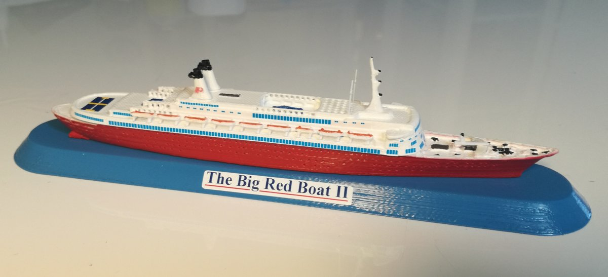PREMIER CRUISE - DISNEY CRUISE LINE the Big Red Boat II ex. Eugenio Costa scale 1:1250