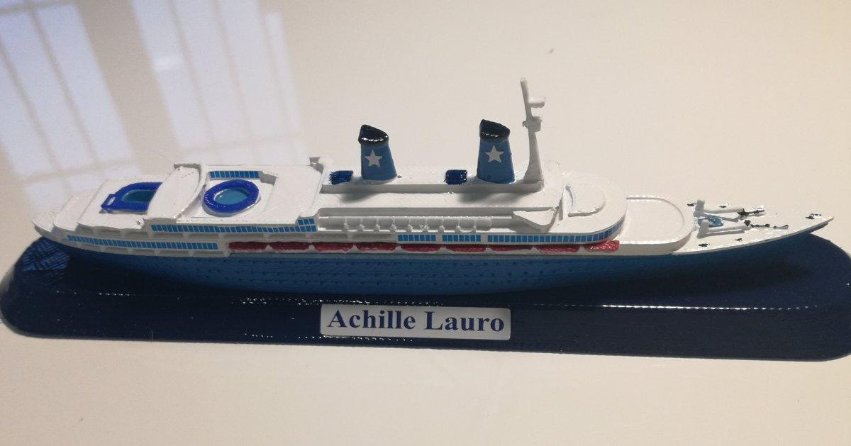 Modello Nave Achille Lauro ex. Willem Ruys scale 1:1250 Flotta Lauro 1946 - 1994