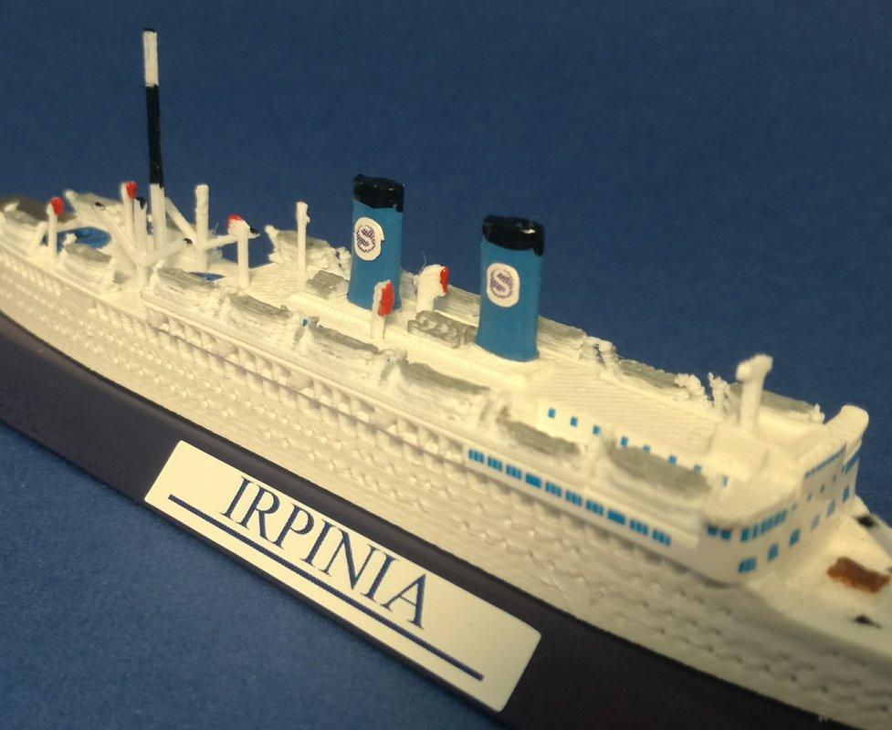 Nave IRPINIA , proposte nelle versioni , anni 50 con 2 ciminiere e anni 70 con una sola ciminiera ,  Ex. Campana SIOSA line FRATELLI GRIMALDI model ship 1 1250