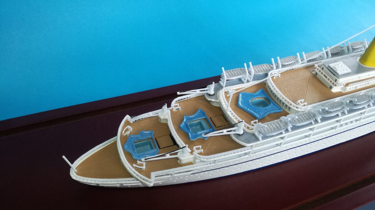 FEDERICO C.  scale 1:500 ( original version ) length 370 mm