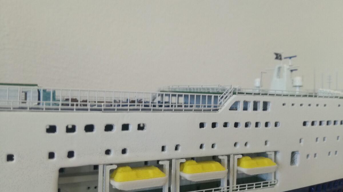 CRUISE ROMA - Cruise Barcelona Scale 1:400 completa di carena modello nave dopo l'allungamento Length 635 mm